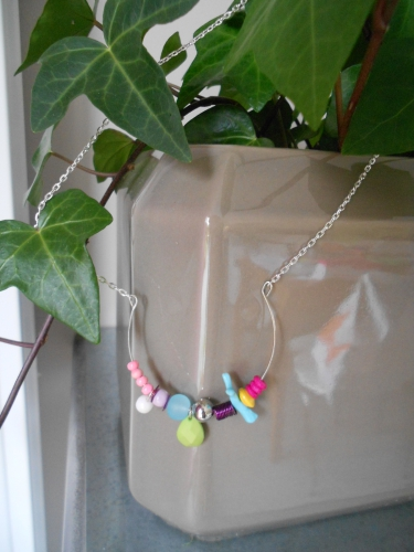 collier arrondi multicolore 001.JPG